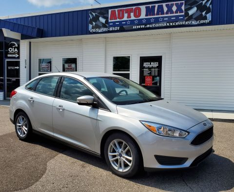 Pre-Owned 2017 Ford Focus SE Front Wheel Drive 4dr Car